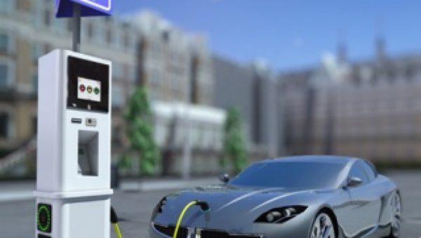 Nieuwe parkeerautomaat laadt elektrische auto op