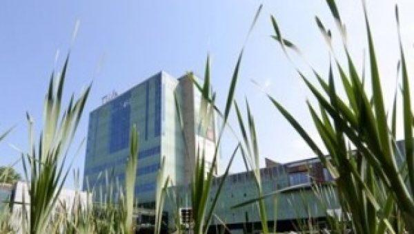 Unica en TU/e tekenen contract op basis van ondernemend samenwerken