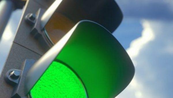 Nieuw realtime model voor verkeerslichten reduceert wachttijd en CO2 uitstoot