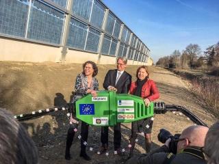 Minister van Nieuwenhuizen opent Solar Highways officieel