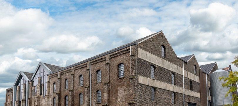 """Van oude keramiekfabriek naar multifunctioneel onderwijscentrum """"De Greswaren"""" in Reuver"""