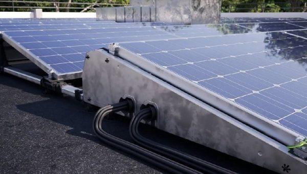 Esdec vernieuwt montagesysteem FlatFix Fusion voor zonnepanelen op platte daken